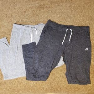 2 pairs of Nike joggers